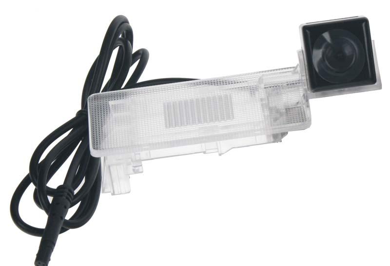 Kamera SOC, formát PAL do vozu VW Passat 2011-, Sharan II