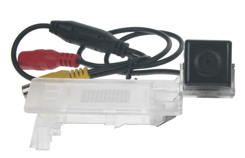 Kamera CCD, formát NTSC do vozu VW Passat 2011-